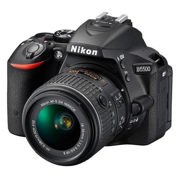 Nikon D5500 + 18-55 VR II  - 1