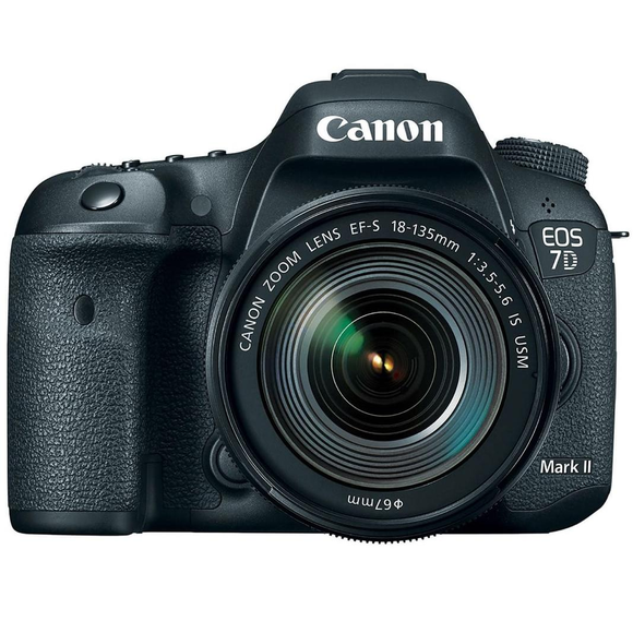 Canon EOS 7D MARK II + EF-S 18-135mm f/3,5-5,6 IS USM  - 1